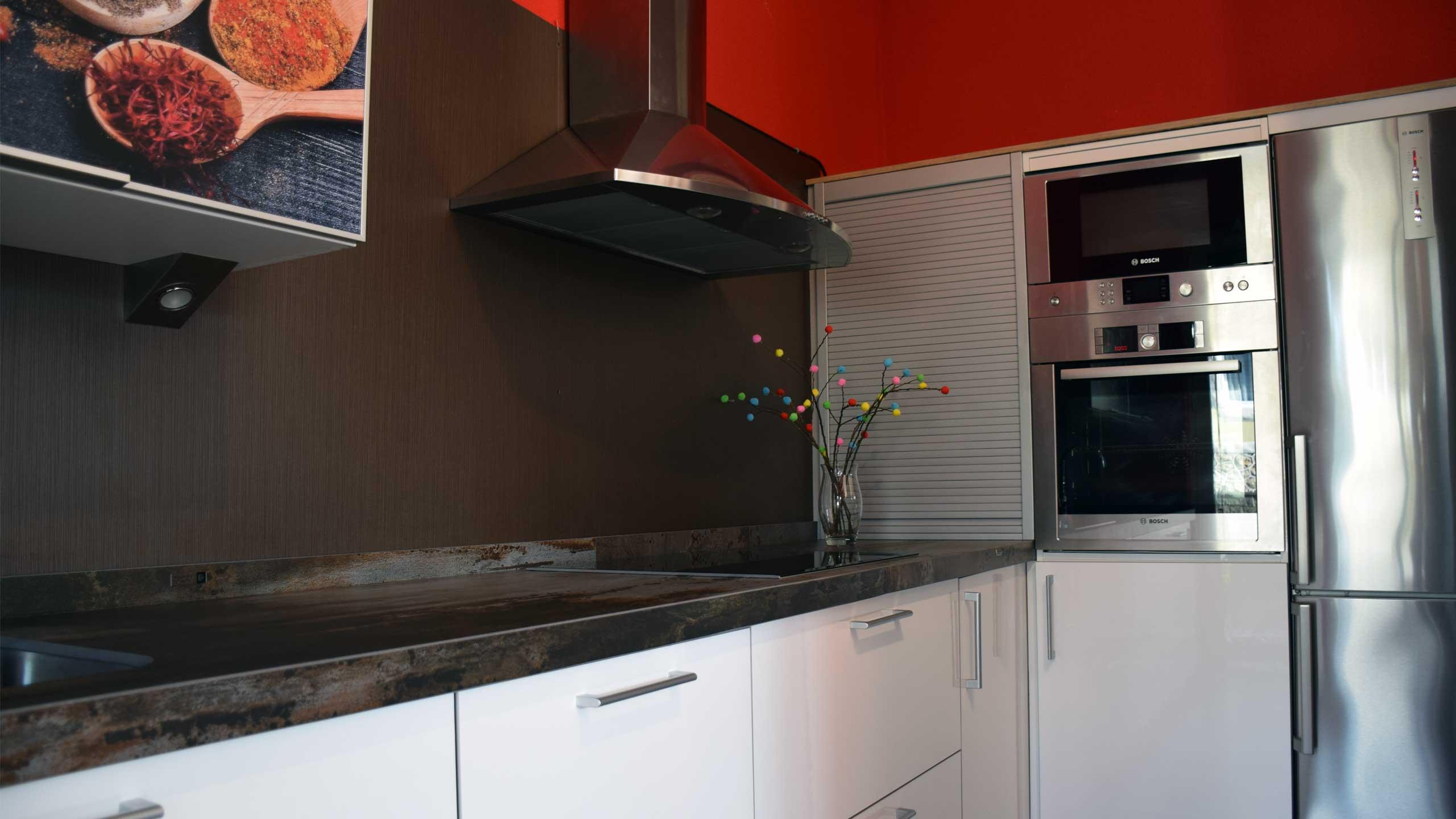 Especialistas en el diseño, montaje y elección en muebles de cocina y mecanismos adecuados.